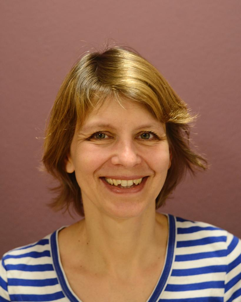 Dr. med. Julia Schoenes